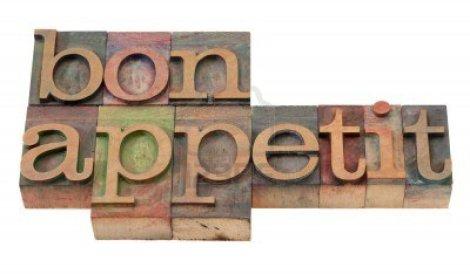 8554168-bon-appetit--frase-en-bloques-de-impresion-tipografica-madera-vintage-manchados-por-tintas-de-color-